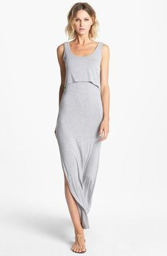 Weekend-ready in this heathered maxi dress.