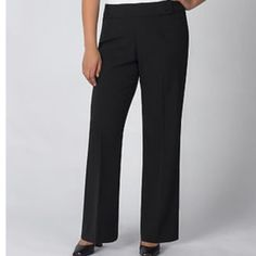 Liz Claiborne work pant Very gently worn a couple times. Never dried in the dryer. Darling cut. Soft material in black Liz Claiborne Pants