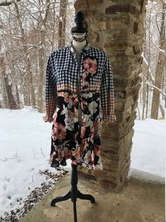 Upcycled plaid floral duster size M/L Black and Coral recycled repurposed bleach dyed country chic cowgirl feminine boho hippie bohemian Redo Clothes, Clothing Redo, Denim Tunic, Denim Shirt, Floral Duster, Tea Gown, White Linen Shirt, Bleach Dye, Full Figure Fashion