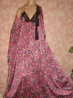 Vintage Burgundy muu muu 2X nightgown sleep dress floral blue flowers NG26