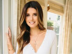In La With Katherine Schwarzenegger Love Makeup, Hair Makeup, Katherine Schwarzenegger, Hair Color Formulas, Love Hair, Fall Hair, Girl Crushes, Pretty People, Makeup Inspiration
