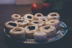 Plnené šampiňóny s medvedím cesnakom Cookies, Desserts, Food, Crack Crackers, Tailgate Desserts, Deserts, Biscuits, Essen, Postres