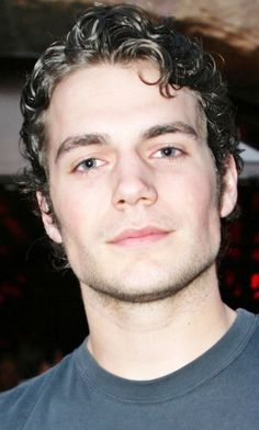 young henry cavill ♥