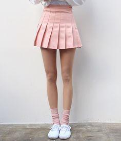 American apparel tennis skirt in 2019 skirts kläder, stiliga Bts Mode, American Apparel Tennis Skirt, Mode Kawaii, Skirt Outfits, Capsule Wardrobe, Pleated Skirt, Skater Skirt, American Girl, Korean Fashion
