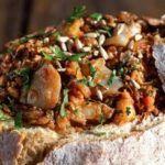 Broa Recheada - Receitas e Menus © Pizza Snacks, Portuguese Recipes, Brunch, Yummy Food, Beef, Chicken, 1, Corn Spoon Bread, Arroz Con Leche