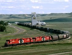 Northbound CP grain pickup tramp from Coronach to Assiniboia departs Rockglen in the beautiful West Poplar River Valley