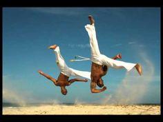 Capoeira - Paranauê - (26/11/2014 - quarta - Roda de Capoeira - De perseguida pela Polícia a Bem Patrimonial Imemorial da Humanidade).Toca Tambor d Rua! A Festa é para Tod@s!!!