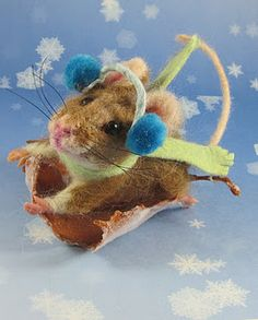 CUTENESS!!! / needle felted art / Winter Mouse / going sledding...