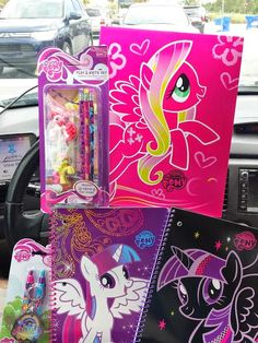 Equestria Daily: general folders and stuff from Toys R' Us ...I want this... I NEED THISSS