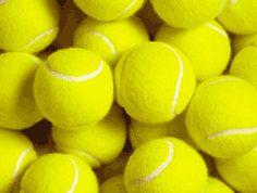 Ballenbingo: alle ballen zijn genummerd. Ieder kind krijgt een bal en onthoudt zijn eigen nummer. Daarna gaan alle ballen terug in de mand. De begeleider van het spel gooit vervolgens alle ballen door de zaal. De kinderen moeten nu hun eigen bal terug zien te vinden. Pakken ze een verkeerde bal dan mogen ze deze wegrollen. Vinden ze hun eigen bal dan roepen ze 'bingo' en gaan ze aan de kant staan met de bal in de hand.