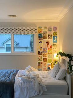 Cosy Bedroom Decor, Room Design Bedroom, Cute Room Decor, Room Ideas Bedroom, Bedroom Themes, Bedrooms, Teenage Room Decor, Couches, Aesthetic Room Decor