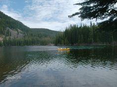 Dog Lake near White Pass, WA kayaking and fishing