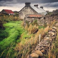 Ireland Road Trip: Itinerary and what to do, see and eat. A roundup of our favorite places for Irish music, Guinness, local food and more. Westport Ireland, Irish Cottage, Ireland Travel, Ireland Food, What A Wonderful World, British Isles, Places To See, Beautiful, Road Trip