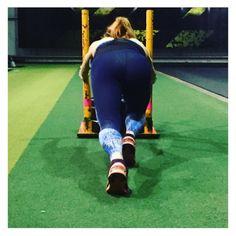 Blue gym and yoga leggings - squat proof and non see through! Yoga Leggings, Squats, Capri Pants, Gym, Blue, Fashion, Moda, Capri Trousers, La Mode