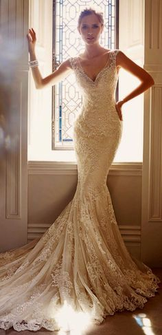 lace wedding dress with capped sleeve