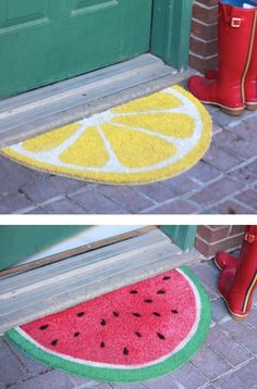 Welcome your guests the right way with these fruit-slice mats. // 33 Irresistibly Spring DIYs