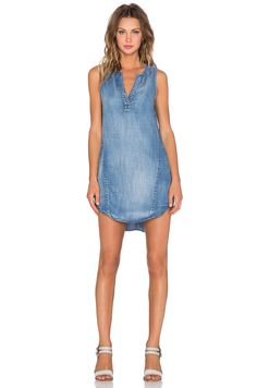 33fb9a98153 Bella Dahl Sleeveless Seams Dress in Weathered Wash
