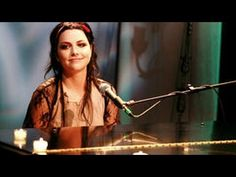 Evanescence - Live Acoustic @AOL Sessions (2006) Evanescence, Bring Me To Life, Acoustic Music, Symphonic Metal, Amy Lee, My Soulmate, Black Metal, Music Videos, The Past