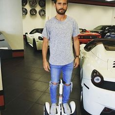 Lord Disick in the building👑 Sporting his trendy ripped blue wash👖 with a basic grey t-shirt while shopping for his new summer toy✨ 🏎 Summer musts in Hollywood✨😍 #ScottDisick #Love #Summer17 #Porsche #Lambo #CarGoals