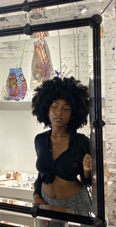 Black Girls Hairstyles, Afro Hairstyles, Mode Old School, Curly Hair Styles, Natural Hair Styles, Pelo Natural, Beautiful Black Girl, Brown Skin Girls, Black Girl Aesthetic