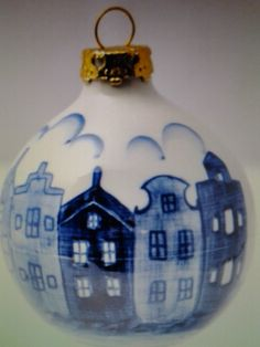 Delft blue Christmas ball...April in Amsterdam loves it!...