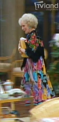Mixing prints is a fashionable risk that everyone is hopping on board with. But Betty White knew about this style long before it was hip. What's better than a long floral dress you ask? A floral shall on top of a long floral dress, Rose answers... and then launches into a story about St. Olaf  #style #fashion #vintagefashion #goldengirls