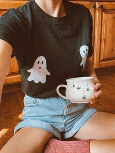 Trendy Halloween, Halloween Inspo, Halloween Festival, Halloween Fashion, Halloween Ghosts, Halloween Outfits, Halloween Shirt, Vintage Halloween, Fall Halloween