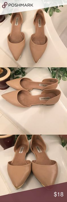 Steve Madden d'orsay flats Classic nude d'orsays. Some light marks from light use and a dark mark on one heel as shown. Really well padded flats. Steve Madden Shoes Flats & Loafers