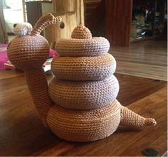 Min allerbedste veninde havde brug for noget matematisk legetøj, som også kan agere som bamse.. En snegl var ønsket.. Dette er resultatet ☺