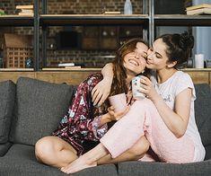 Χύθηκε καφές στον καναπέ; Έτσι θα τον καθαρίσεις χωρίς να μείνει ίχνος! ? στο σπιτι › καθαριοτητα || womenonly.gr | Σπίτι