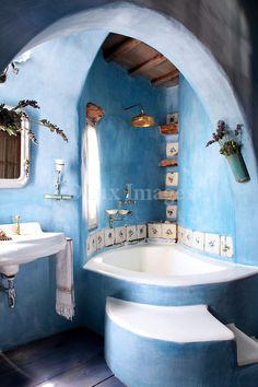 Home Interior Design — Bathroom in a Mykonos house - All About Decoration Dream Bathrooms, Beautiful Bathrooms, White Bathrooms, Luxury Bathrooms, Master Bathrooms, Contemporary Bathrooms, Home Design, Home Interior Design, Cob House Interior
