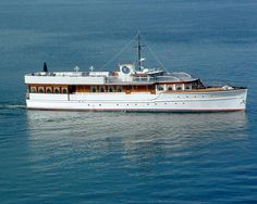 John F. Kennedy's former presidential yacht, now owned by a Texas oilman, will be used to raise funds for an effort to house homeless veterans in North Charleston, when the boat is in Charleston on Memorial Day weekend. Ski Nautique, Classic Wooden Boats, Classic Boat, Homeless Veterans, Classic Yachts, Vintage Boats, Motor Works, Wood Boats, Boat Design