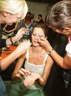 Gisele Bundchen Retiring from Modeling, Why?