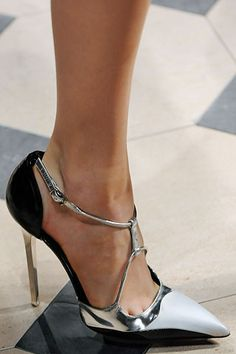 Chanel. #shoes #heels #style #fashion