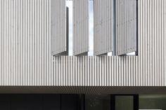 Die Lattenschaffur der Fassade zitiert das Haus von Bembe Dellinger Architekten aus den 1960er Jahren   Bembé Dellinger Architekten und Stadtplaner ©Stefan Müller-Naumann