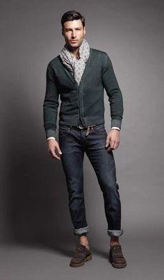 Men's Dark Green Cardigan, Navy Jeans, Dark Brown Suede Loafers, Grey Print Scarf
