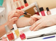 £9 For A #Shellac_Manicure with 80% #discount. If there's one thing we notice all the celebs seem to have in common, it's that they all sport perfectly painted and #manicured_nails. http://www.comparepanda.co.uk/group-deal/13093976585/%C2%A39-for-a-shellac-manicure