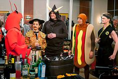 """Ted, Barney, Robin, Marshall and Lily all dressed up in great Halloween costumes on """"How I Met Your Mother. Best Tv Shows, Favorite Tv Shows, Movies And Tv Shows, Favorite Things, How I Met Your Mother, I Meet You, Told You So, Supernatural Series, Marshall And Lily"""