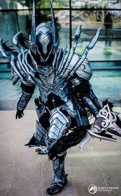 Demon Hunter from Diablo 3 Cosplayer: Quixe Cosplay Photographer: SacrificeDreamer Photograpy