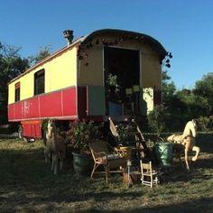 Un siècle de roulottes à Saint-Quentin-La-Poterie