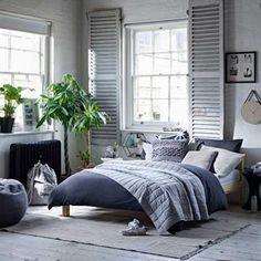 Decoración de interiores y exteriores, decora tu casa - HOLA Primark Home, Stay Down, College Room, Interior Exterior, Home Collections, Shades Of Grey, Ideal Home, Home Accessories, Comforters