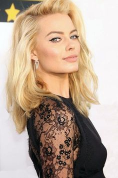 blonde wavy stylish shoulder length hair