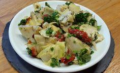 Rezept: Artischockensalat mit Kirschtomaten -> https://www.zentrum-der-gesundheit.de/artischockensalat-mit-kirschtomaten.html #rezept #vegan #gesundheit