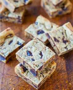 Forget any candy cups you can purchase in your local convenience store, these Peanut Butter Chocolate Chunk Cookie Bars are what you are craving. Enjoy preparing an easy cookie recipe that is not fussy, and doesn't require time-consuming baking procedures.