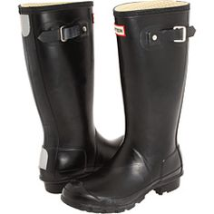 My current black rain wellies got a tear, and I've heard Hunter kids is a great cheaper option if you take a women's size 6 or smaller ~ anyone tried this? I loved my other ones so much!