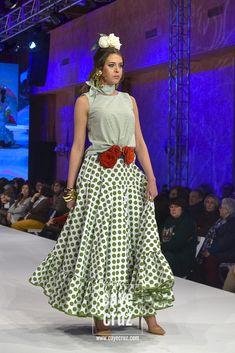 Tahitian Costumes, Flamenco Skirt, Spanish Fashion, Belly Dance, Lace Skirt, Nice Dresses, Designers, Womens Fashion, Polka Dot