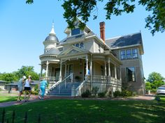 Pillow Thompson House in Helena, Arkansas Somewhere In Time, British American, Home Again, Second Empire, Victorian Houses, Edwardian Era, Romanesque, Queen Anne, Historic Homes