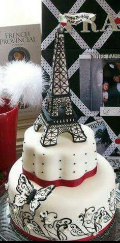 Paris, Eiffel Tower Cake by Rook No. 17 When i take my dream trip to Paris, this will be my send off cake- love it! Gorgeous Cakes, Pretty Cakes, Cute Cakes, Amazing Cakes, Bolo Paris, Cake Paris, Parisian Cake, Cupcakes Bonitos, Cupcakes Decorados