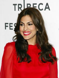 Eva Mendes.....she's wearing one of my favorite colors!