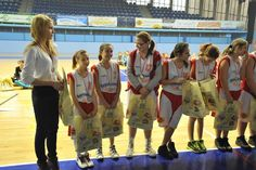 Prócz medali zawodniczki otrzymały również cenne upominki.